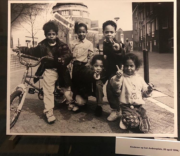 Kinderen op de Ambonplein 1994